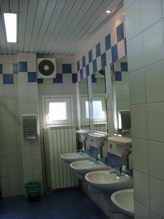 Wie kann ich Sanitärcontainer auswählen?